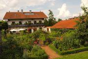 Offene Gartentür in Binabiburg